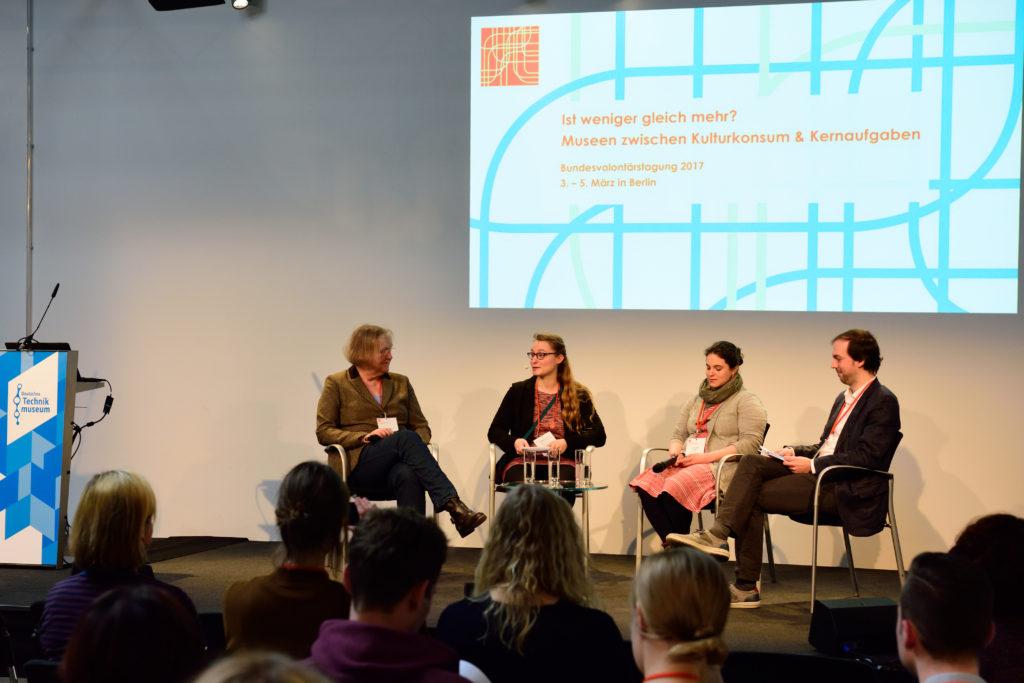 Podiumdiskussion von vier Personen bei BVT 2017