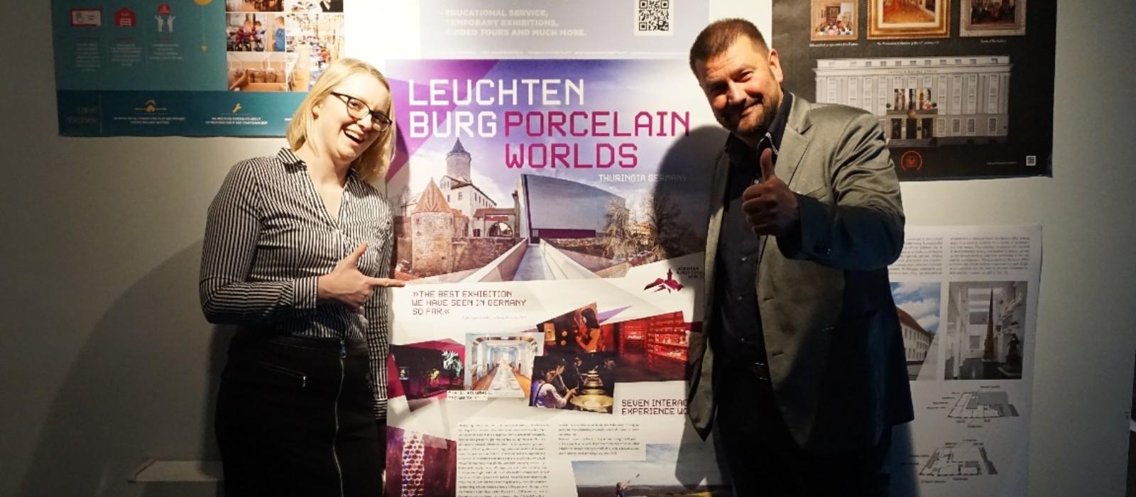 Plakat des Museums Leuchtenburg Mit Museumsmitarbeitern